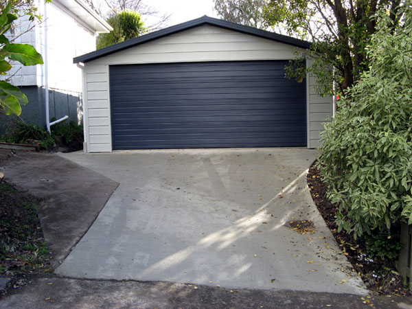 Pictures for Versatile garages